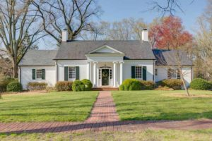 3903 Sulgrave Road in Windsor Farms